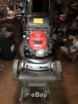 HONDA HRD536 QXE, 21 Self Propelled Roller Lawnmower. Fully Serviced