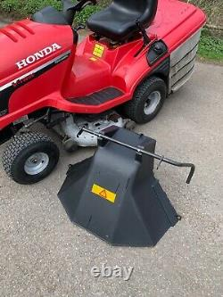 Honda HF2417 Ride On Mower with Grass Bag & Rear Deflector