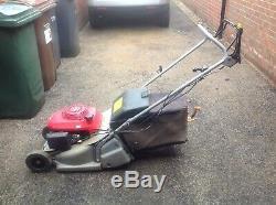 Honda HRB425C Self propelled rear roller petrol lawn mower with grass box