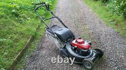 Honda HRH536 Self Propelled Rear Roller Drive Mower 21 Cut Honda Engine