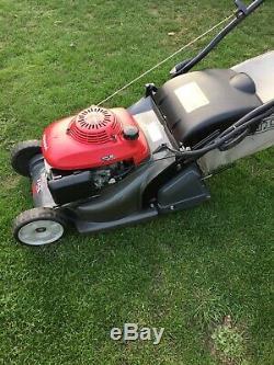 Honda HRX426 petrol roller lawnmower, Self Propelled, BBC