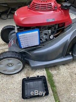 Honda HRX426CQXE Rotary Rear Roller Self Propelled Petrol 4 Stroke 17Lawnmower