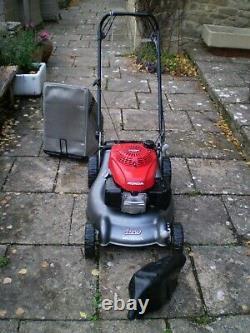 Honda Izzy Petrol Self Drive Lawnmower Full 18 Cut