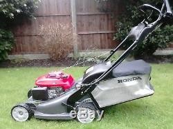 Hrx426c Qxe. 17 Honda Self Propelled Roller Lawnmower. Complete With Grass Bag