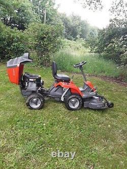 Husqvarna r111b ride-on mower