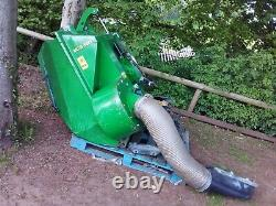 John Deere MCS580L Clam Sheel Grass Collector PTO