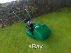 Qualcast Classic 35s Self Propelled Petrol Lawnmower/cylinder Mower